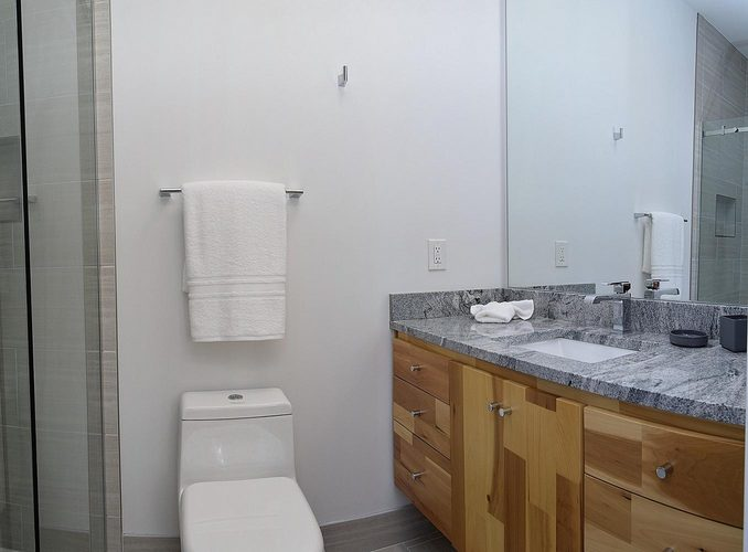 Indianapolis Property Penn Building bathroom small