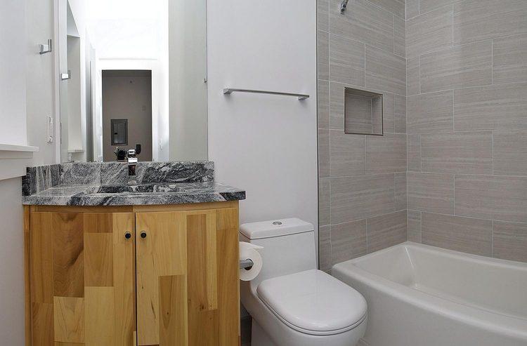 Indianapolis Property Penn Building bathroom